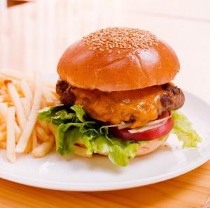 太る食べ物ハンバーガー