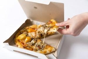 太る食べ物ピザ